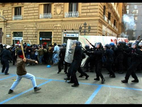 manifestazioni napoli.jpg