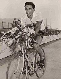 """Fausto Coppi, la leggenda di """"un uomo solo al comando"""""""